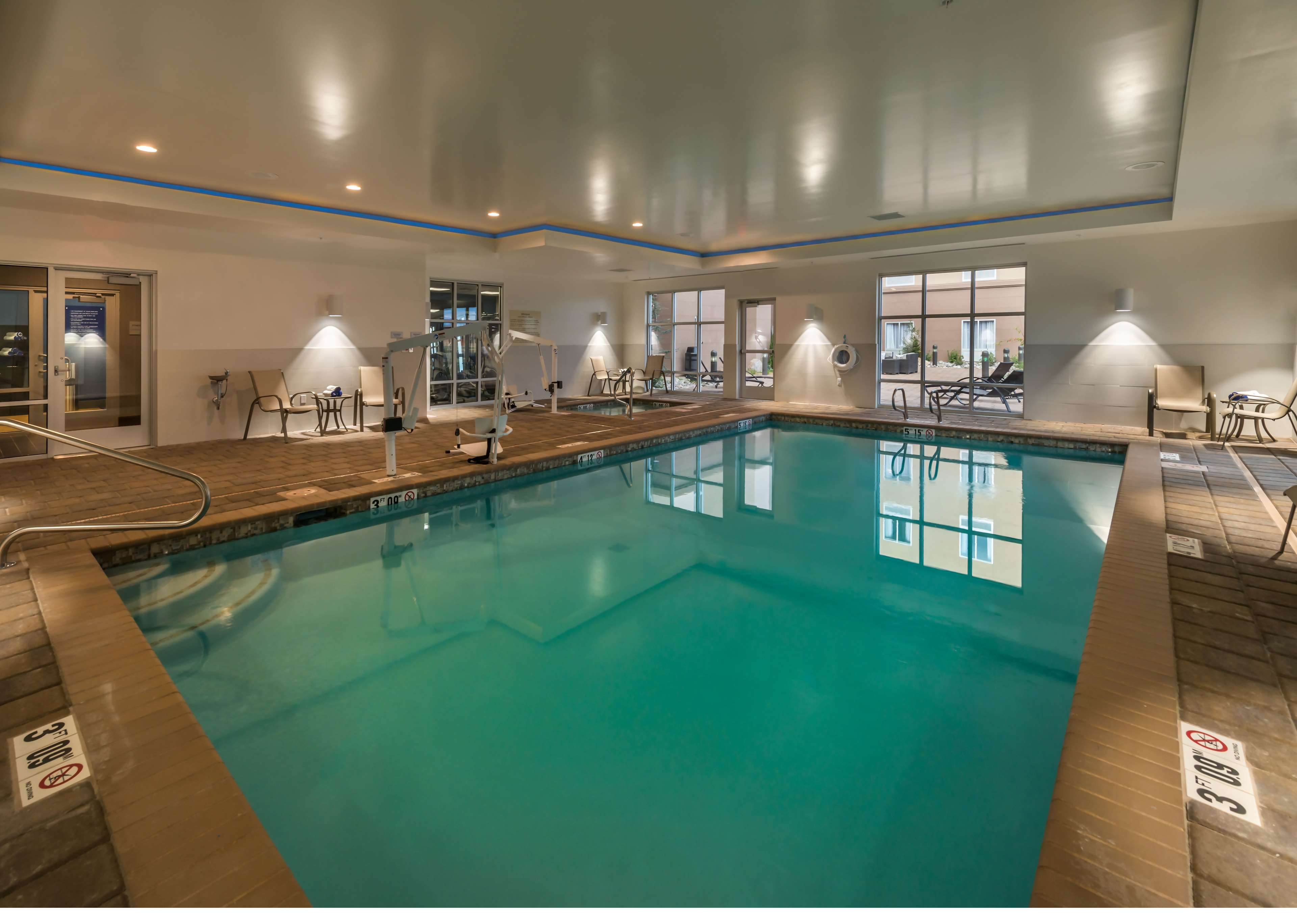 hampton inn suites reno west reno nevada nv. Black Bedroom Furniture Sets. Home Design Ideas