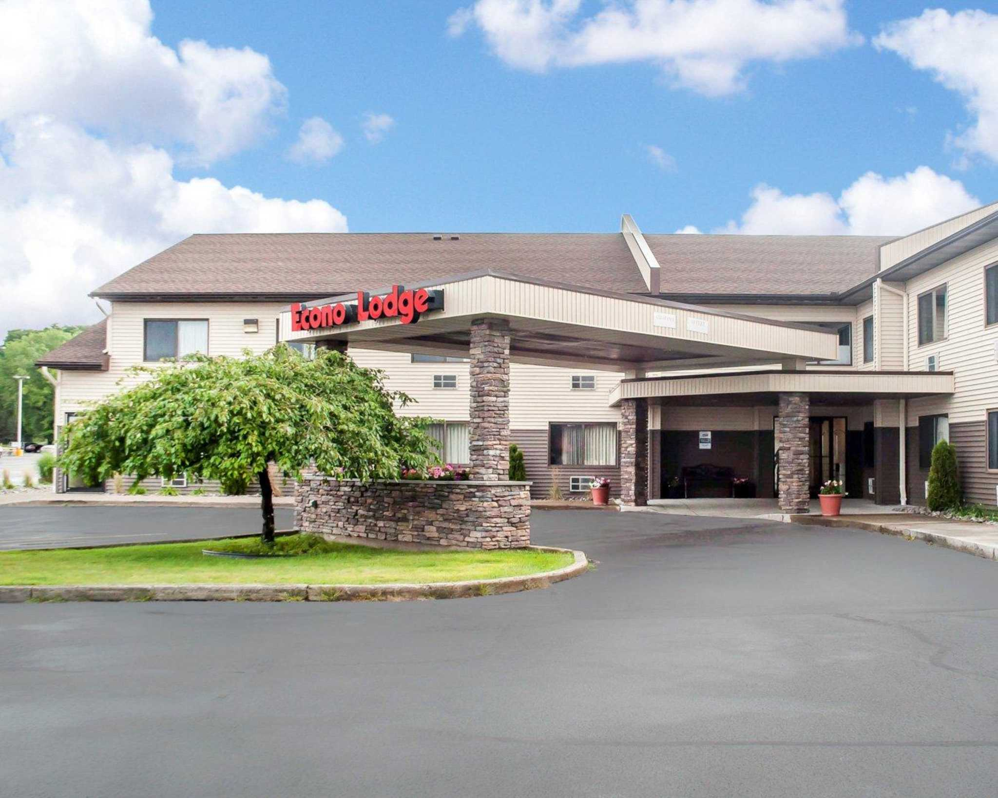 Hotels Near Ithaca Airport