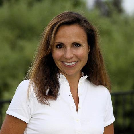 Dr. Ania M. Mohelicki, DDS