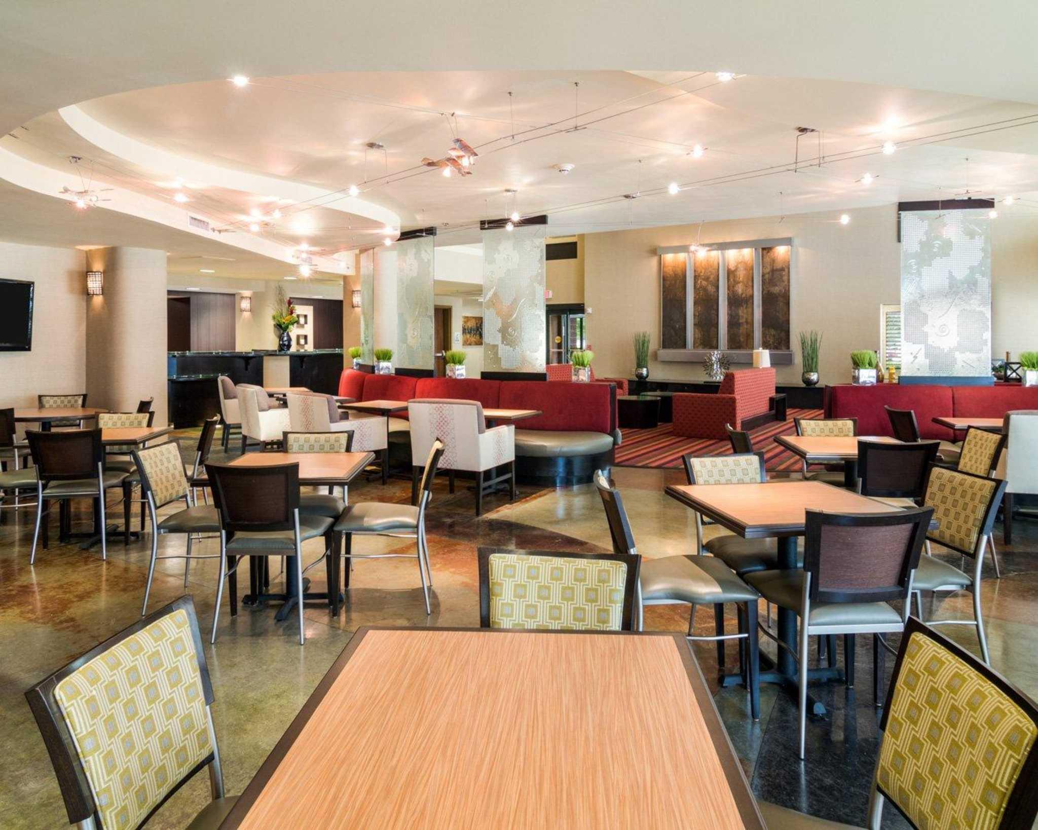 Grapevine Cafe Breakfast Hours