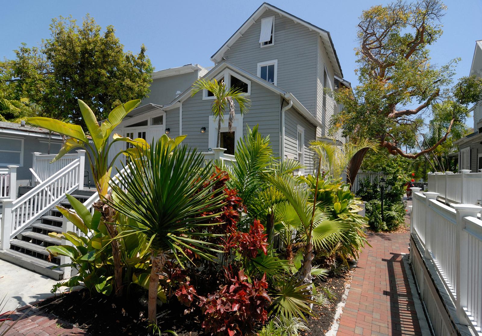 historic key west inns key west florida. Black Bedroom Furniture Sets. Home Design Ideas