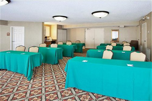 Holiday Inn Express & Suites Bradenton West - ad image