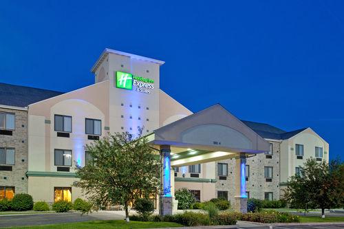 Hotels Near Cm Rz