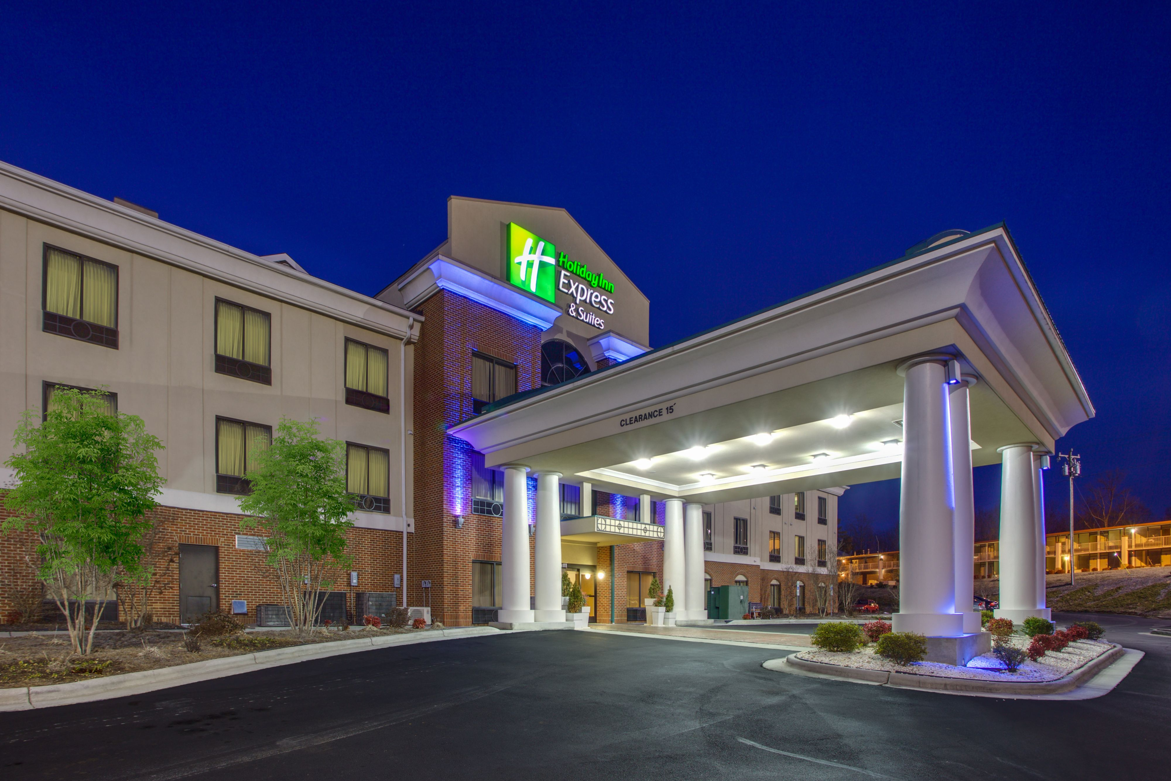 Holiday Inn Express  U0026 Suites Greensboro