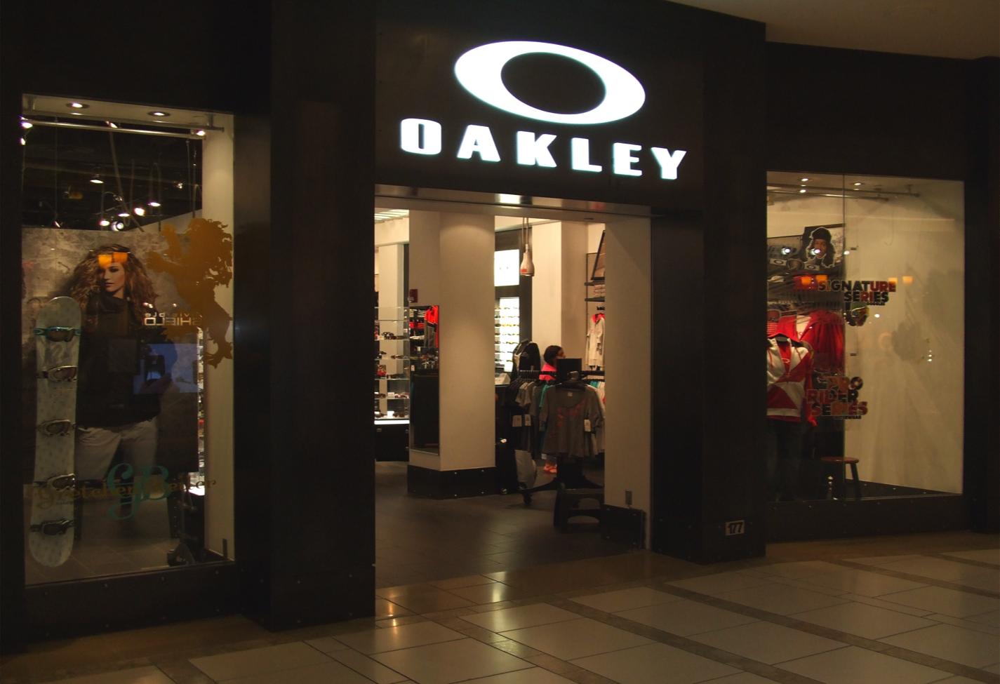 oakley store tampa florida fl. Black Bedroom Furniture Sets. Home Design Ideas
