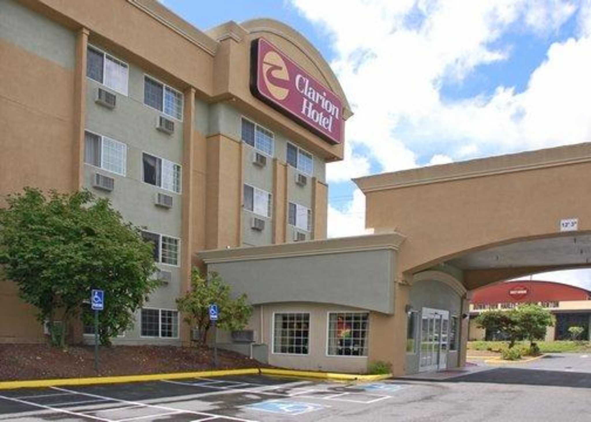 Clarion Hotel Coupons Near Me In Renton, WA 98055