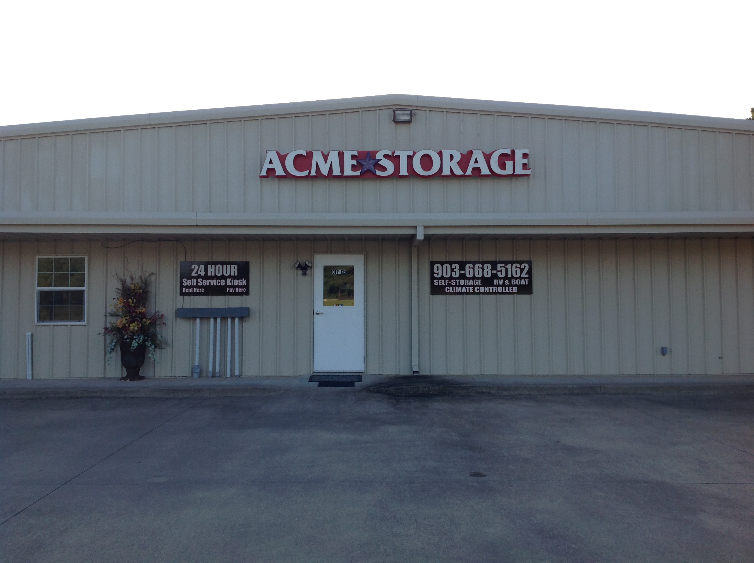 Acme Storage office and kiosk location