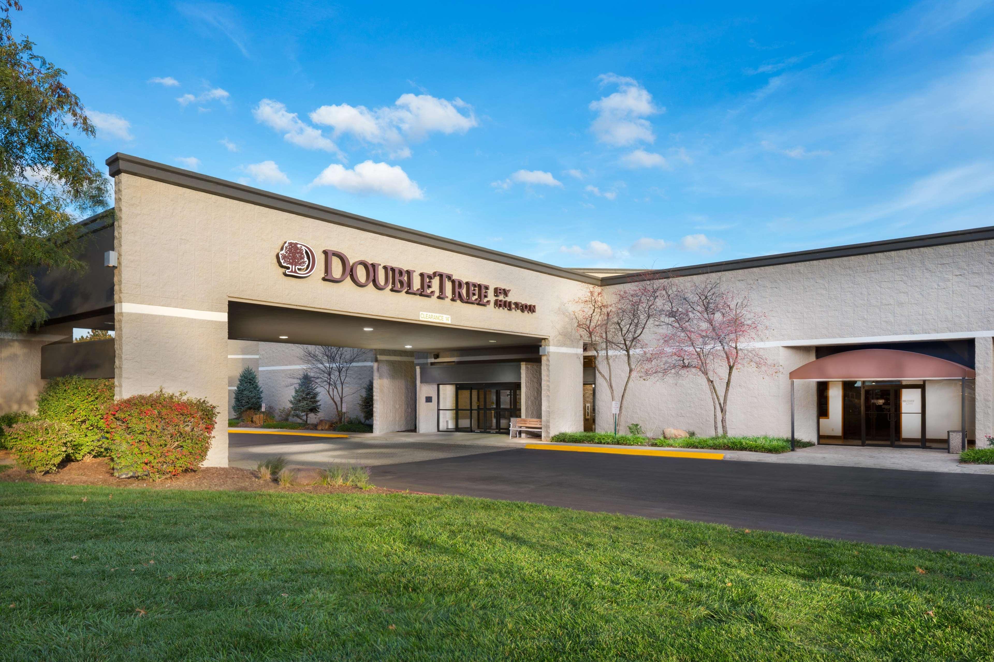 Lawrence Kansas Hotels Suites