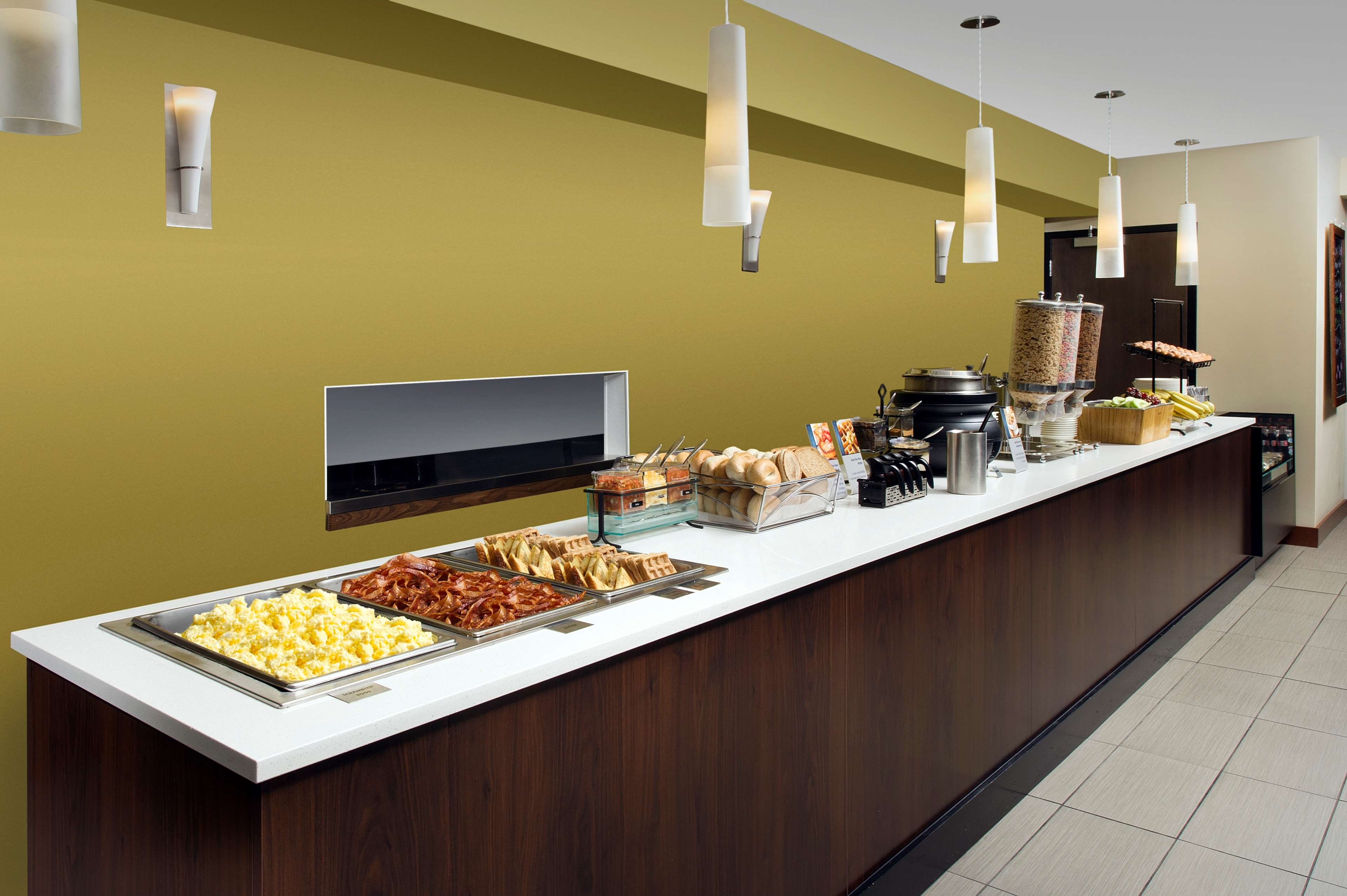 Breakfast Area Best Western Seattle Airport Hotel Seattle (206)878-3300