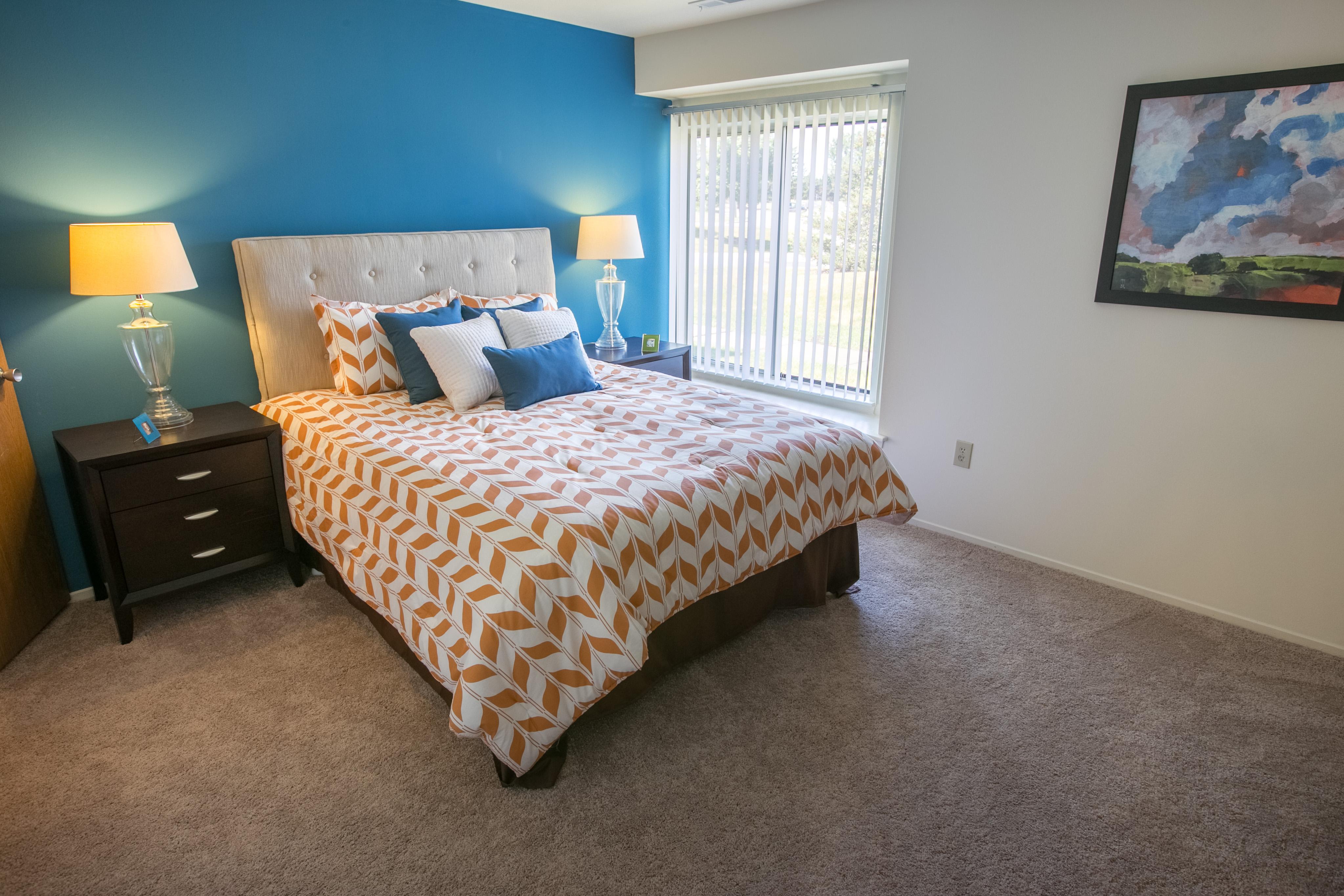 Oaks at Hampton Apartments, Rochester Hills Michigan (MI ...