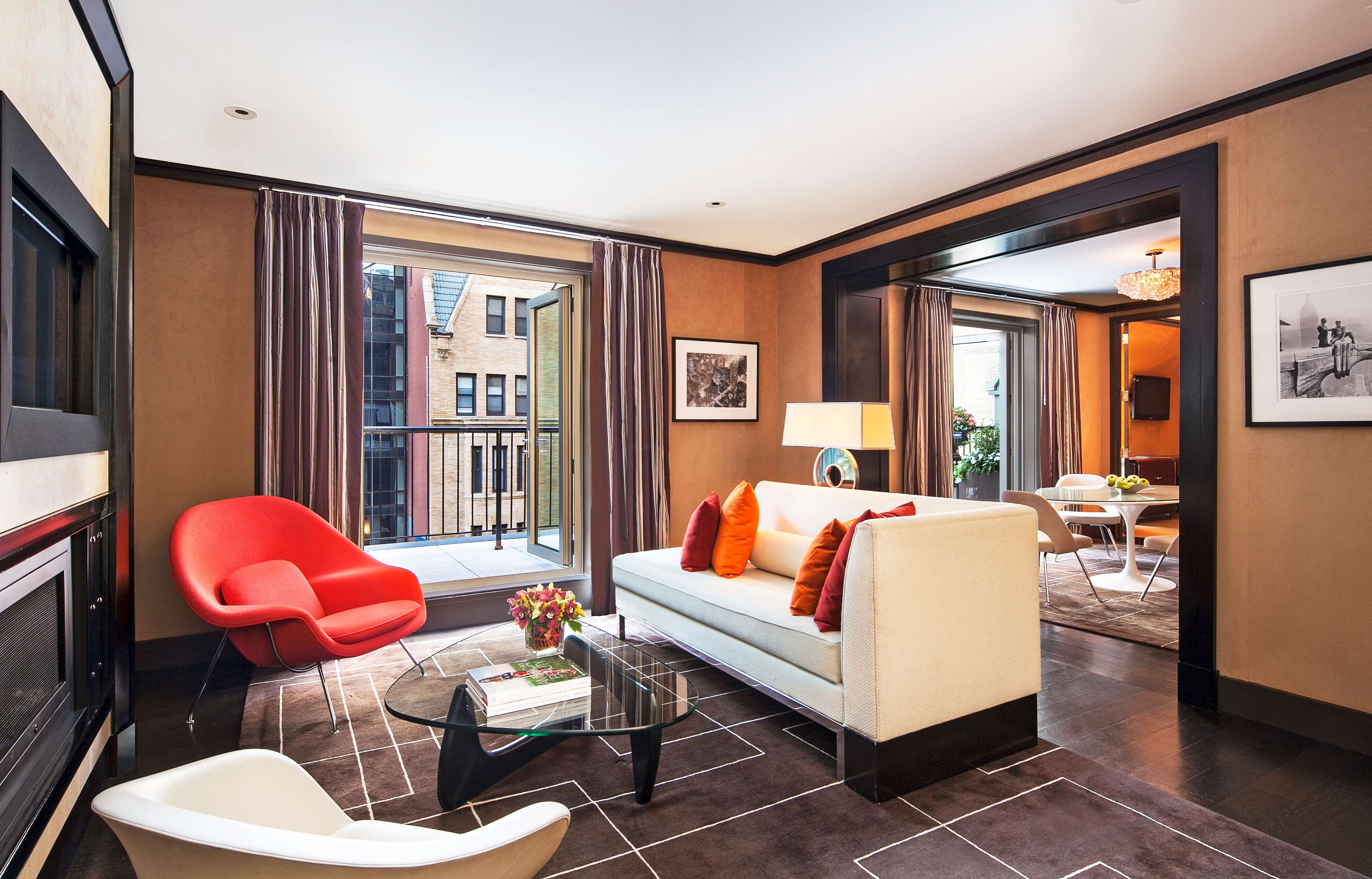 The chatwal a luxury collection hotel new york city for Posh hotels near me