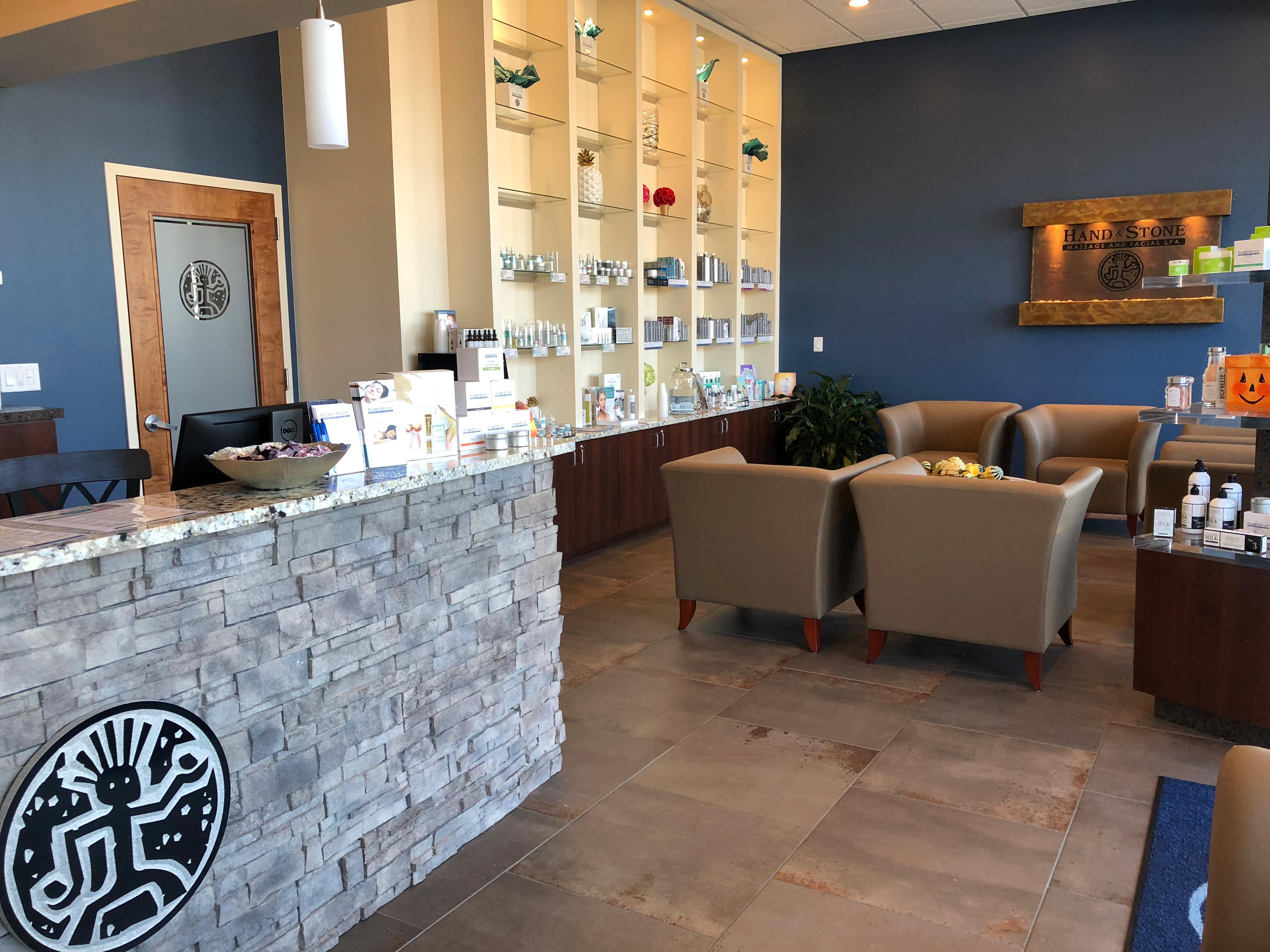 Spa in NY Bellmore 11710 Hand & Stone Massage and Facial Spa 2736 Merrick Road  (516)654-6128