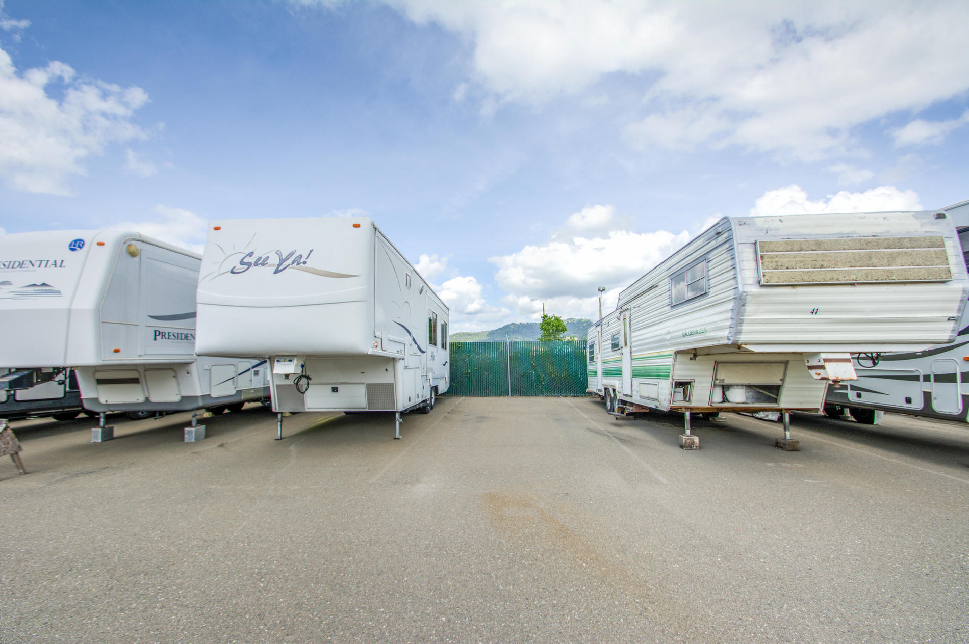 Parking for recreational vehicles and trailers. Empire Mini Storage Cloverdale (707)827-9289