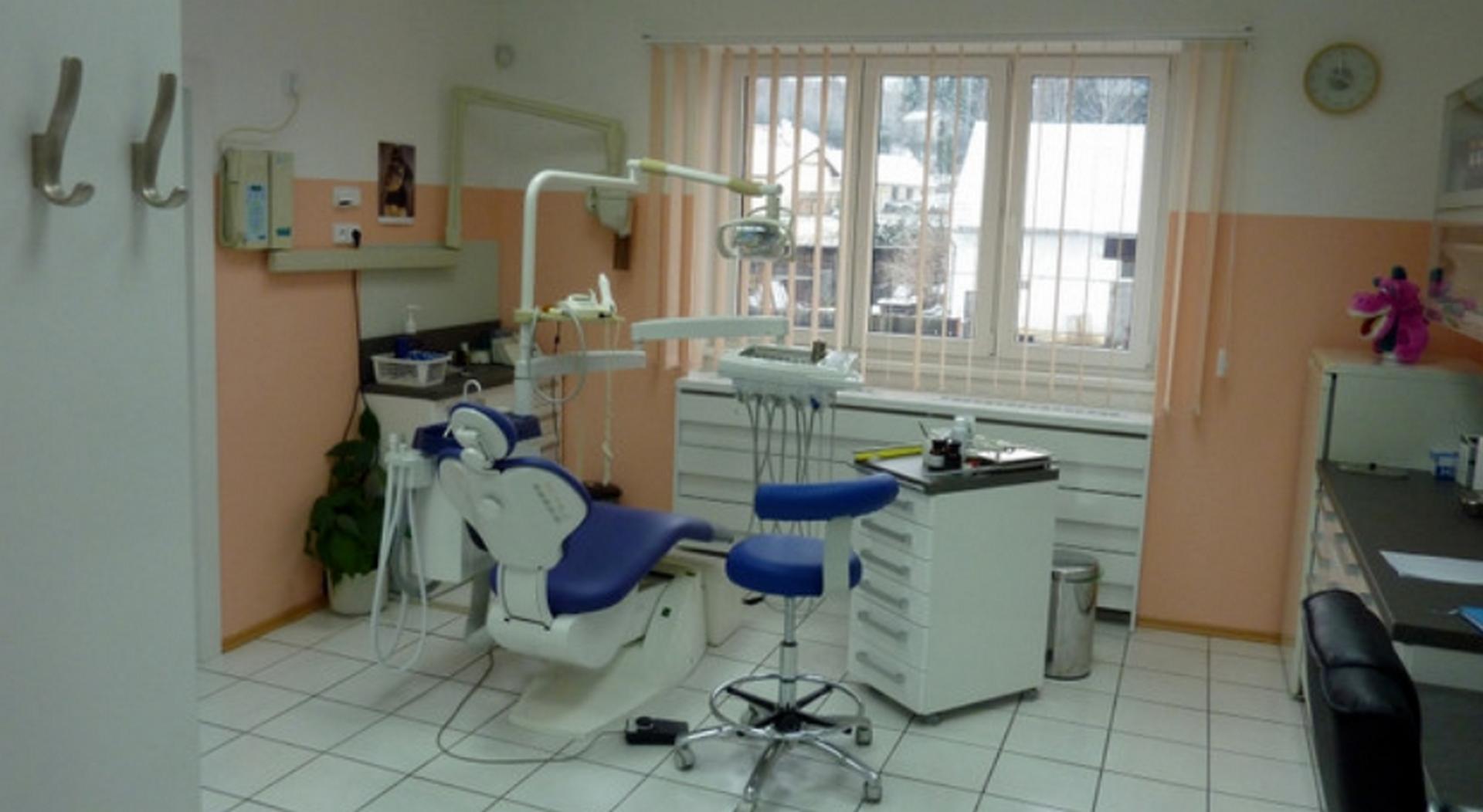 IJ DENT PROFI s.r.o. - zubní ordinace Plasy, Plzeňský kraj