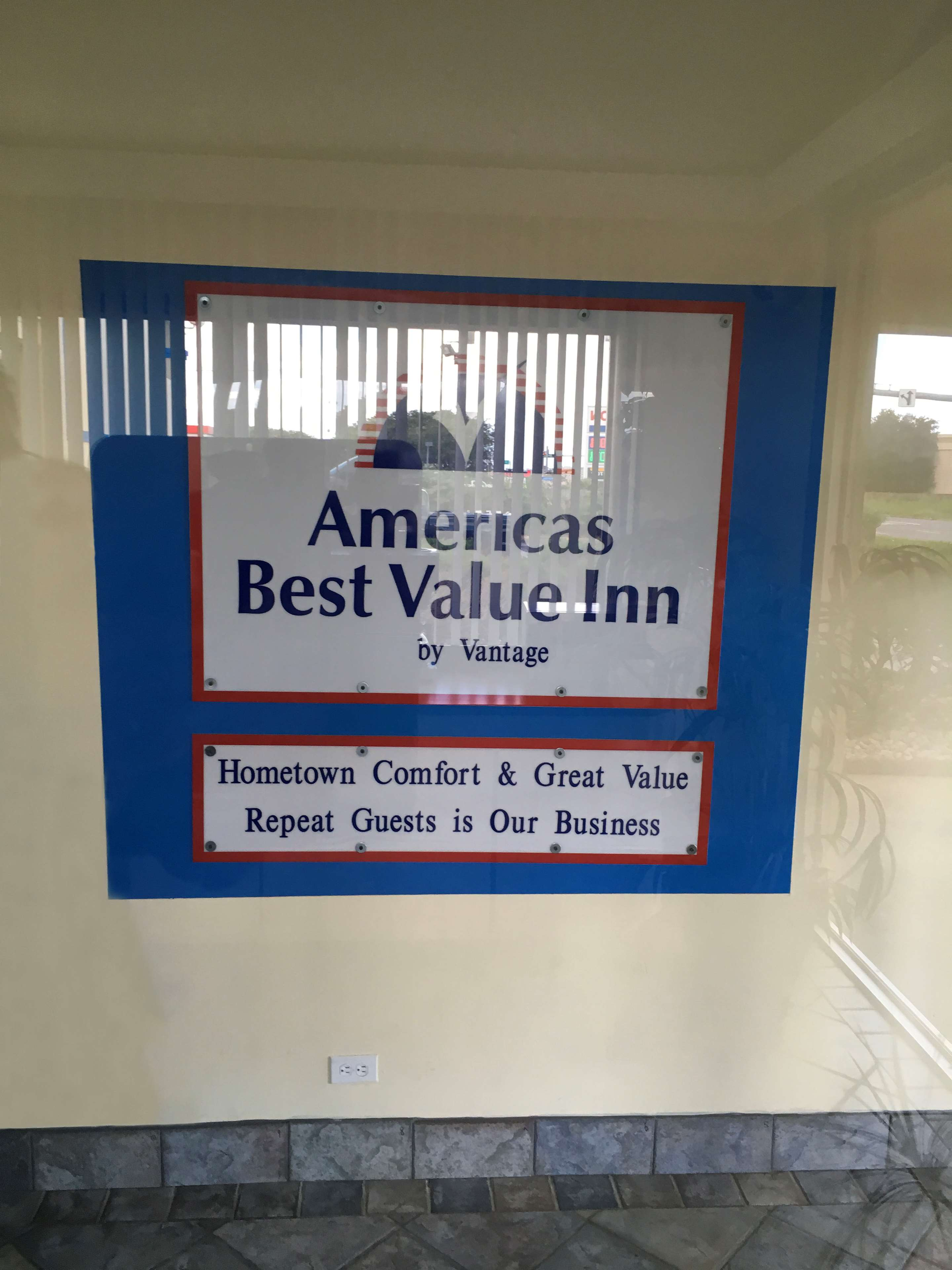 Americas best value inn beaumont i 10 coupons near for Americas best coupon code