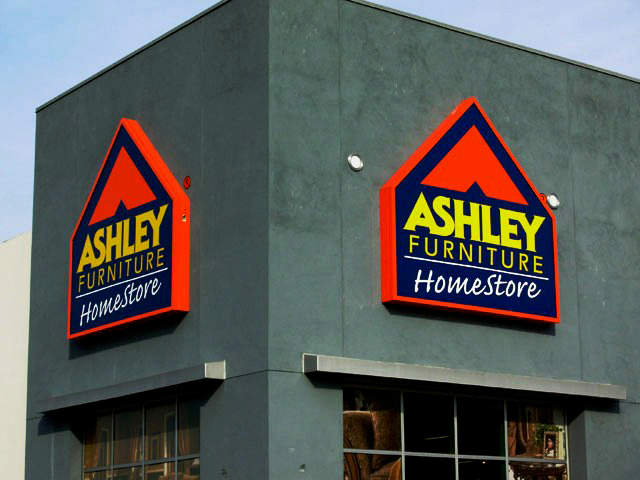 We make amazing business signs. Los Angeles Signs & Awnings Northridge (818)861-5394