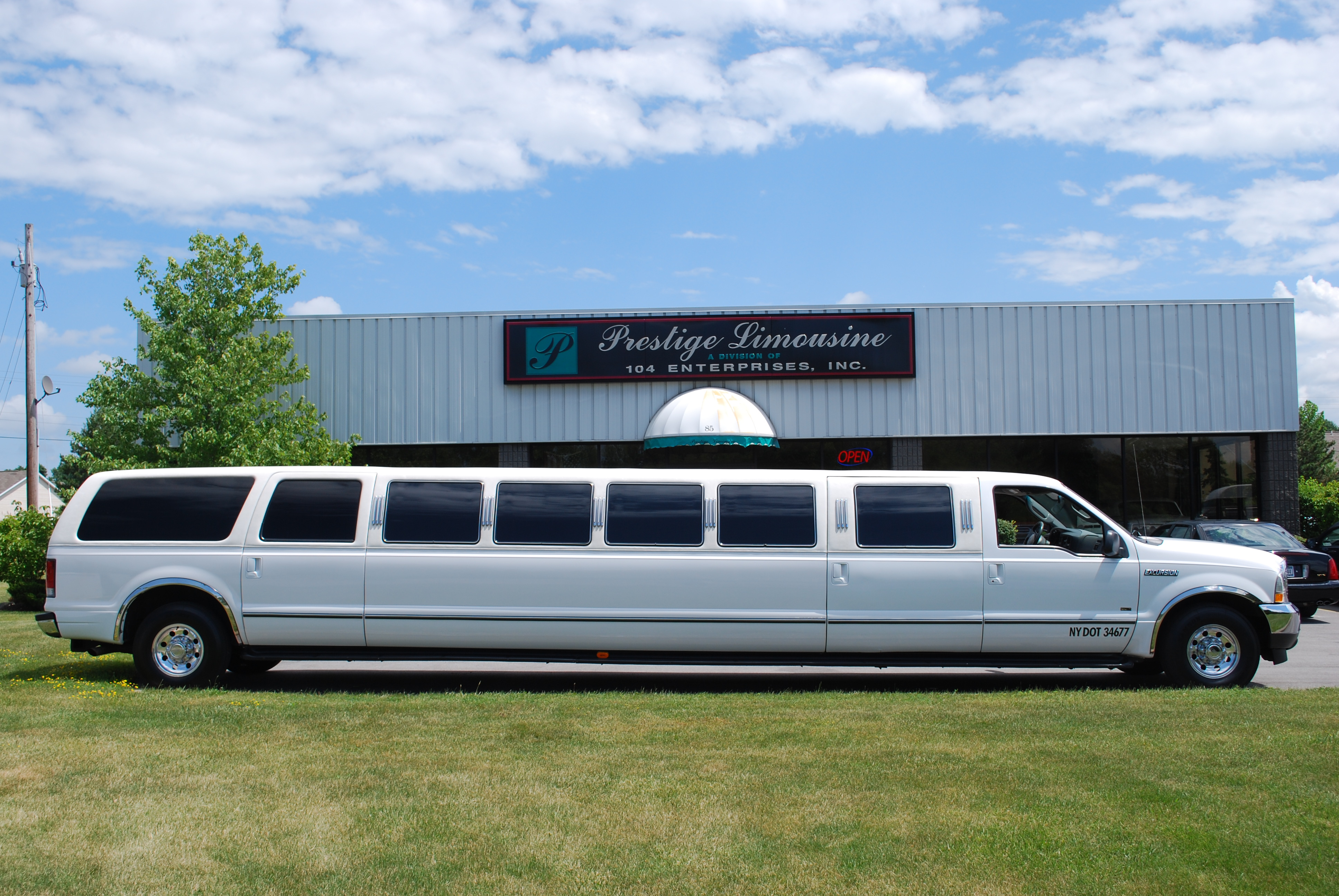 Prestige Limousine Service In Rochester Ny 14623 Chamberofcommerce Com