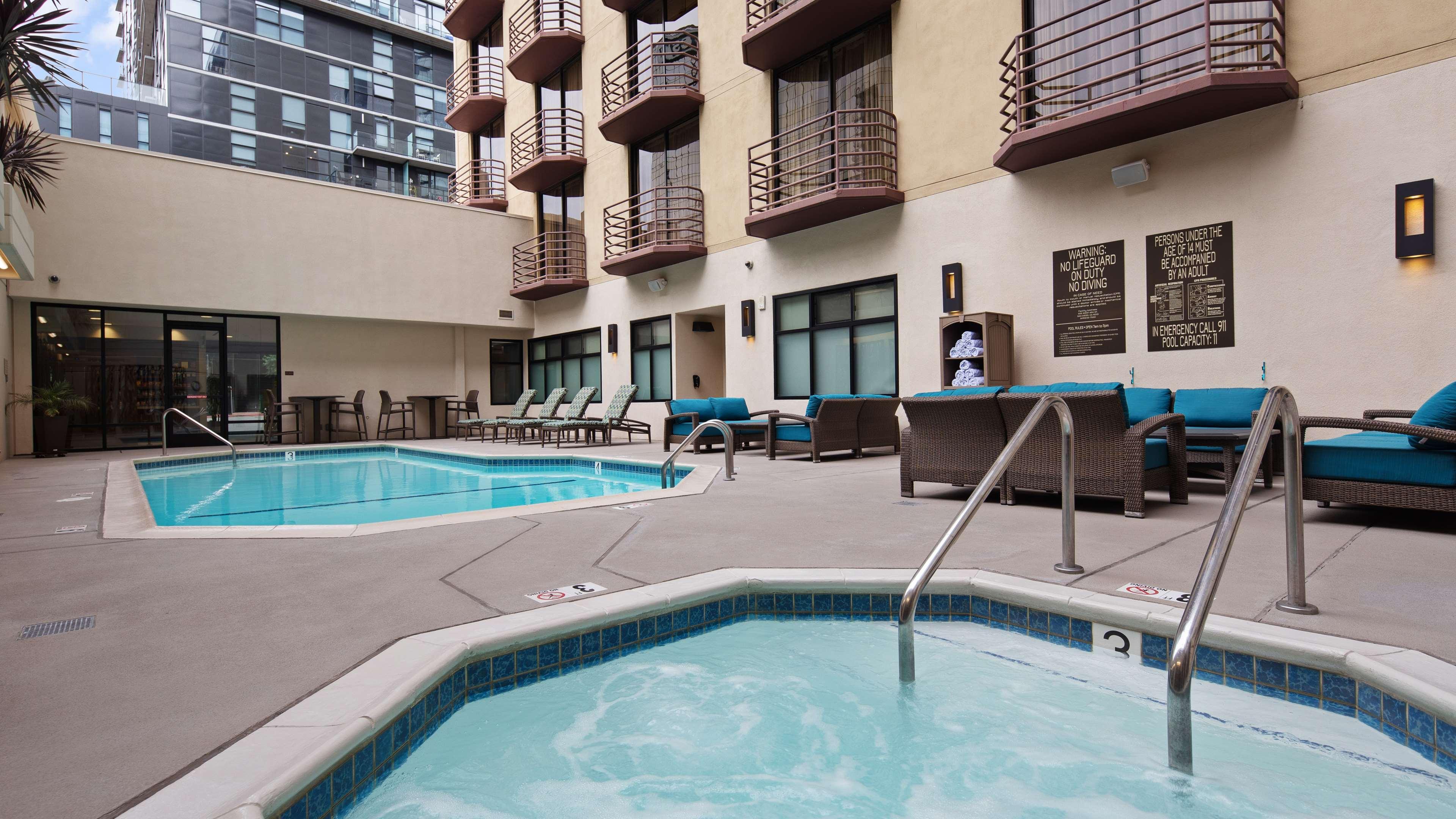 Outdoor Pool & Hot Tub Area