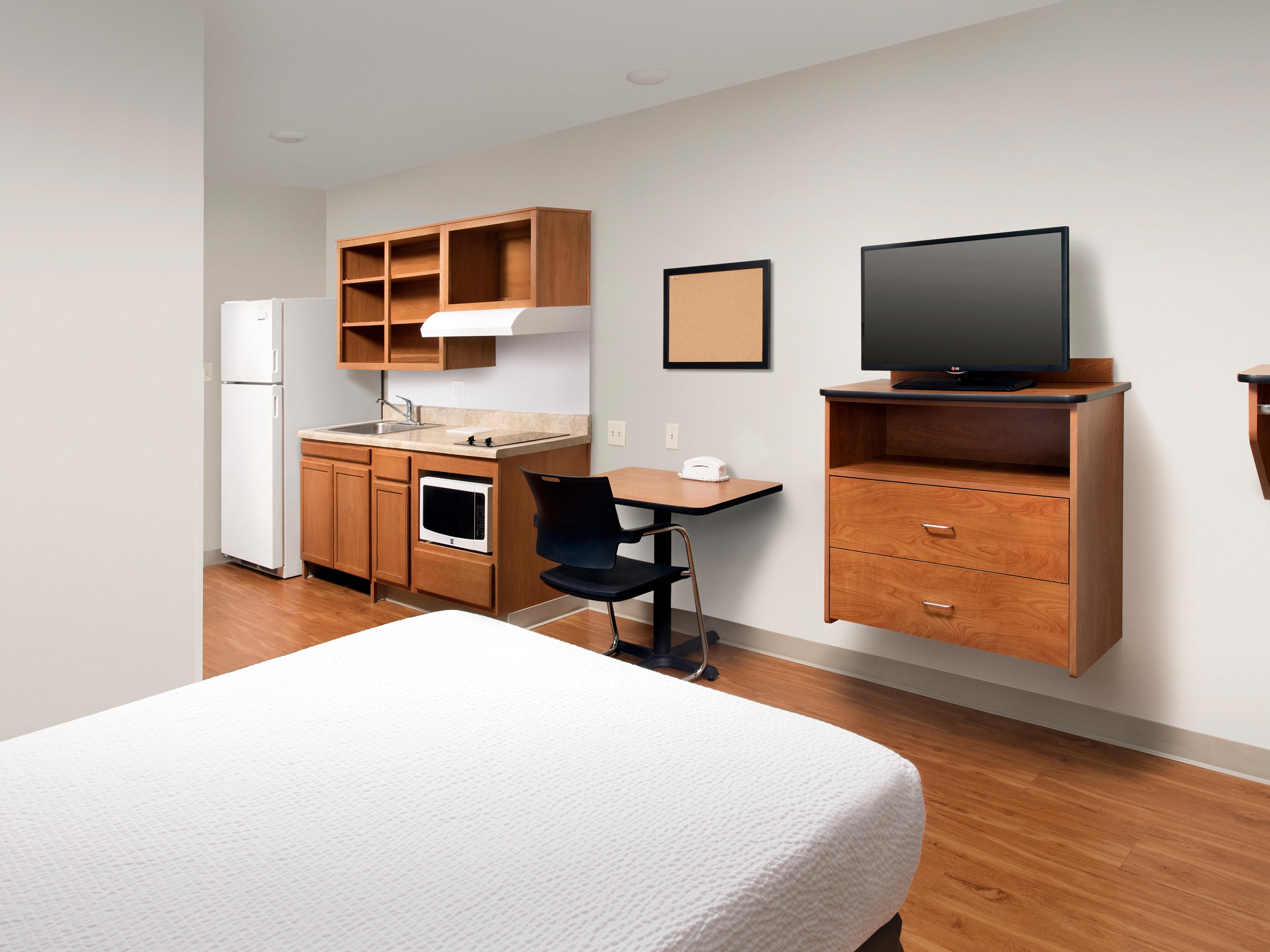 WoodSpring Suites Cleveland Airport