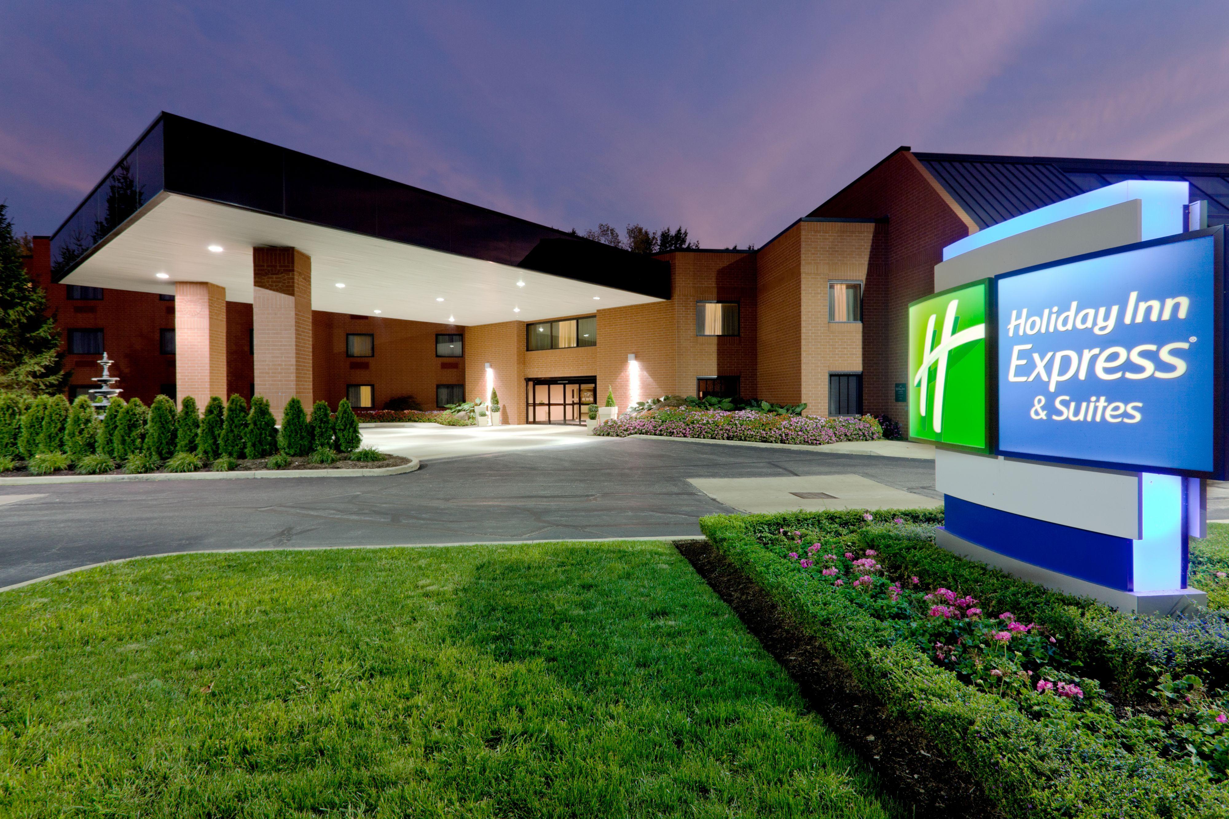 Holiday Inn Express & Suites Memphis Southwind, Memphis ...