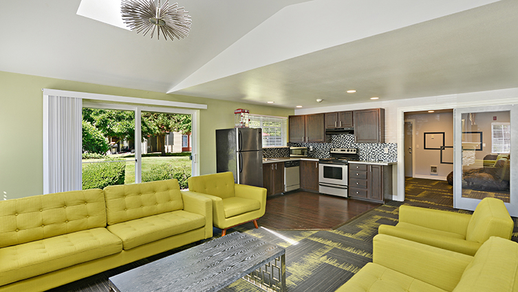 Pavilion Apartment Homes Coupons Near Me In Federal Way