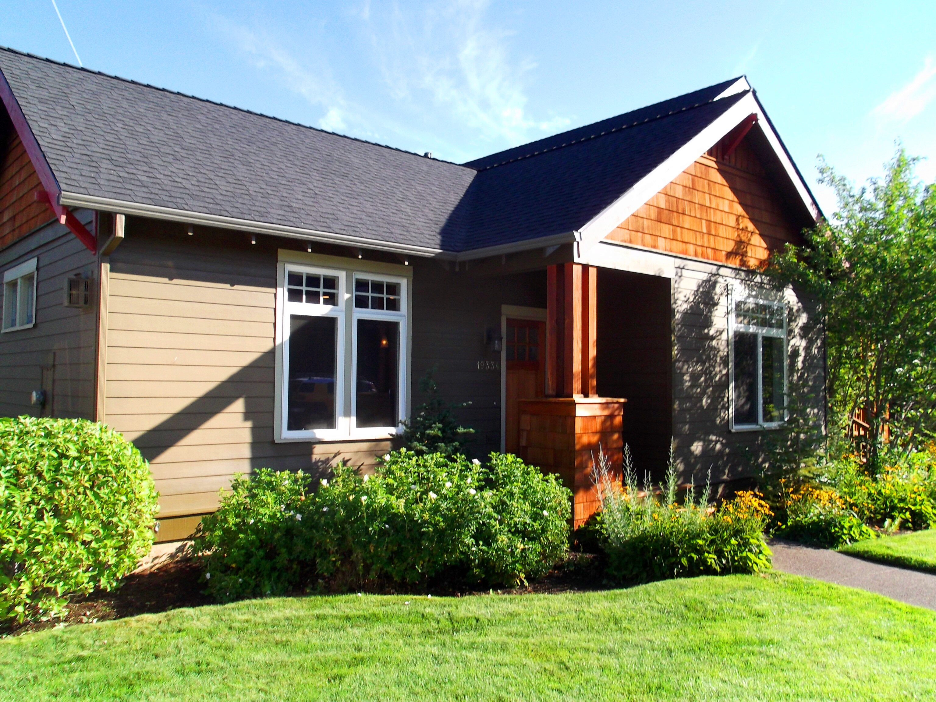 Bend dutch vacation rentals inc bend oregon or for Bend cabin rentals