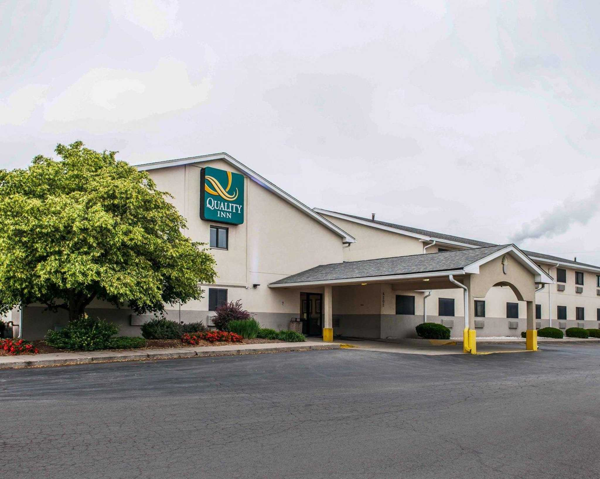 Quality Inn South at Indianapolis (and vicinity), Indiana, United States of America: Find the best deals with user reviews, photos, and discount rates for Quality Inn South at Orbitz /5(12).