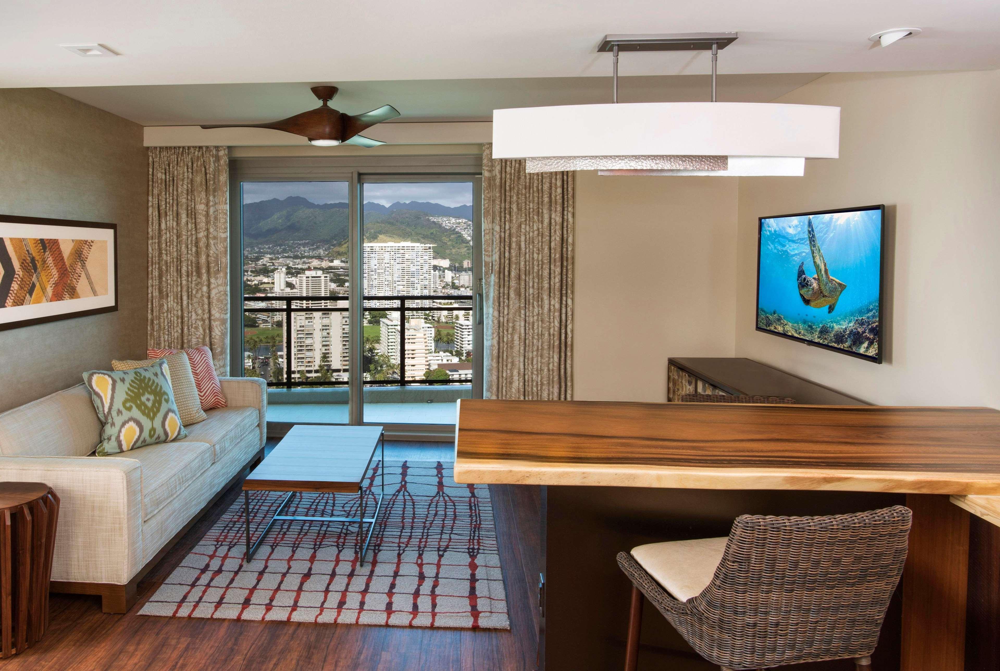 Hilton Grand Islander Hotel