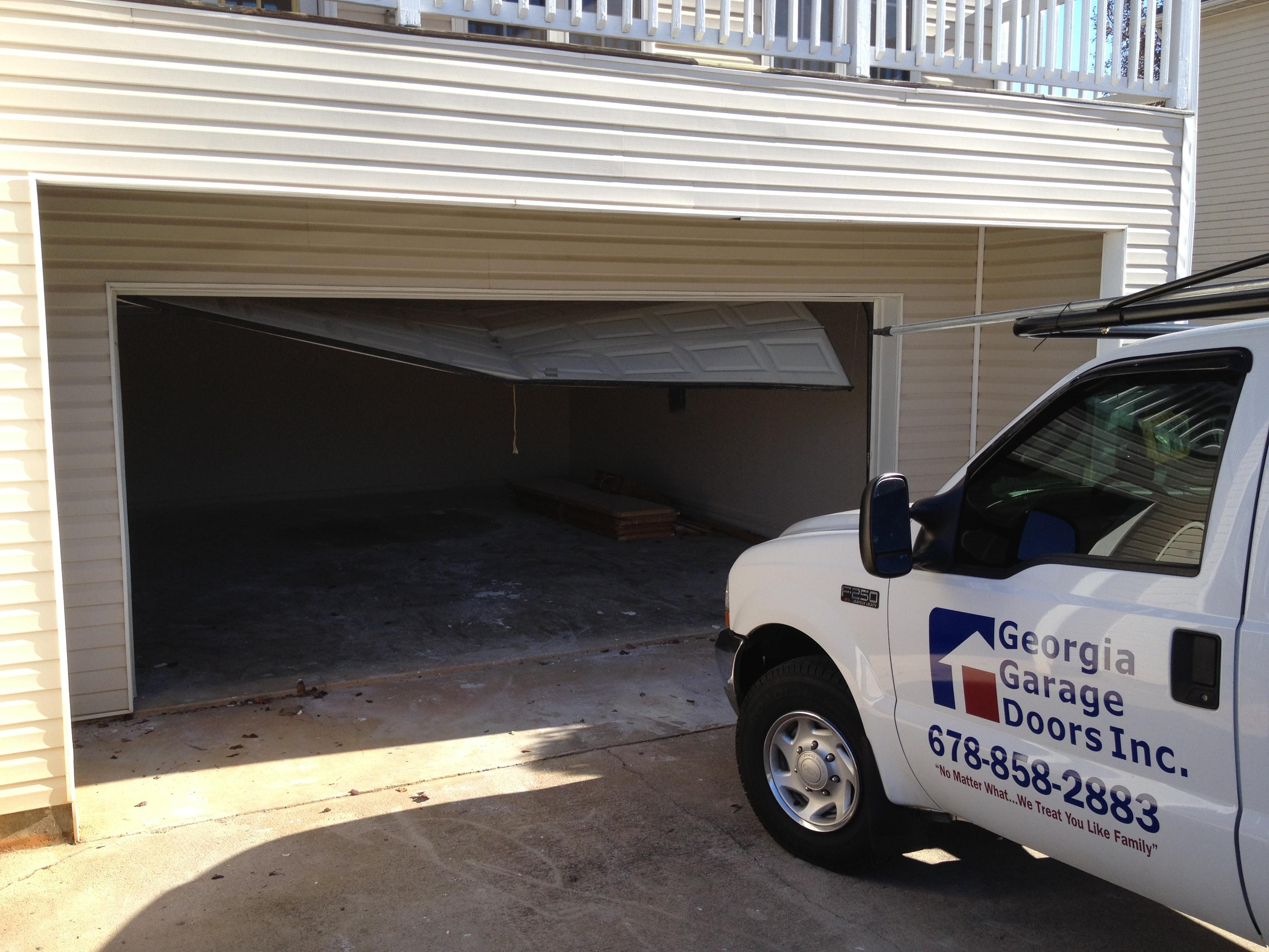 Peachtree doors inc skilled garage door contractor in for Peachtree exterior doors