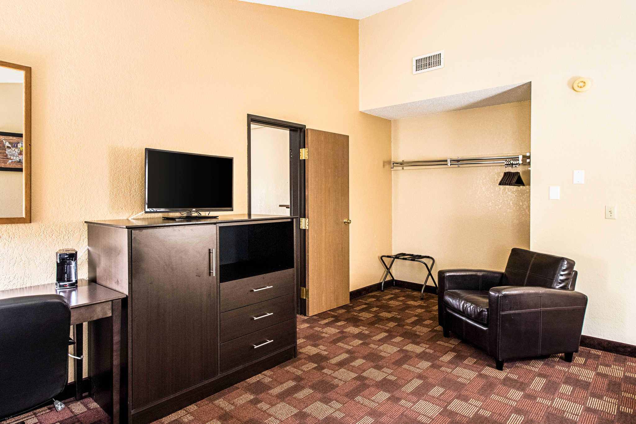 Watertown Sd Hotel Rooms