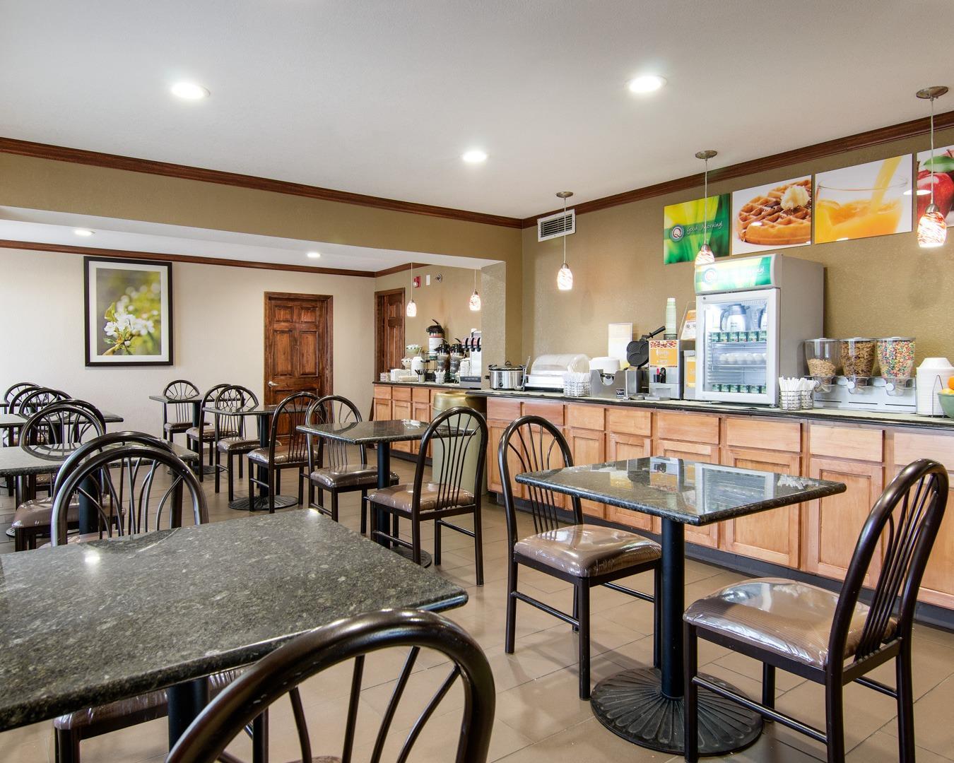 Quality Inn Merriam - Kansas City  Merriam Kansas  Ks