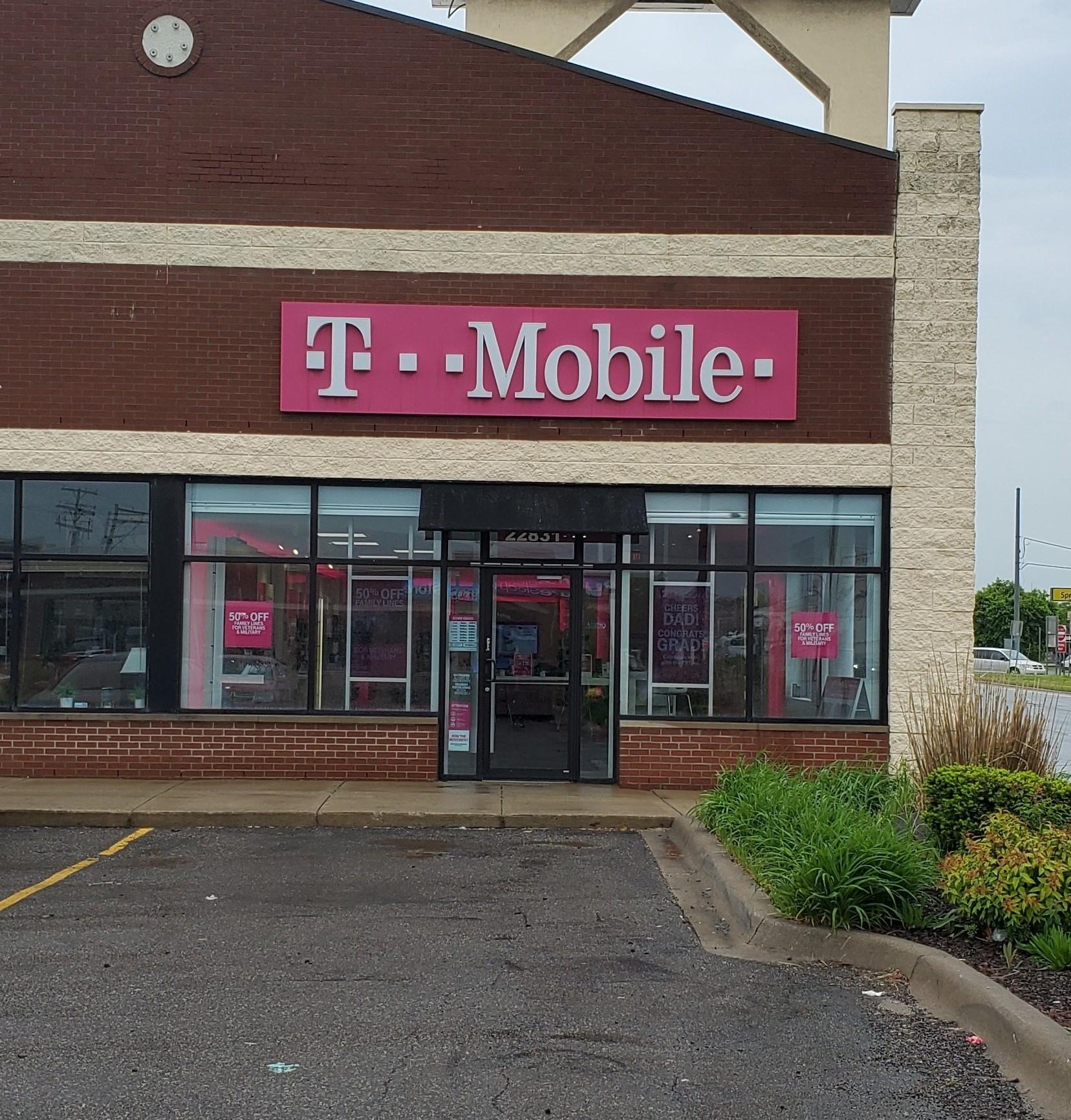 T-Mobile Dearborn (313)561-6000