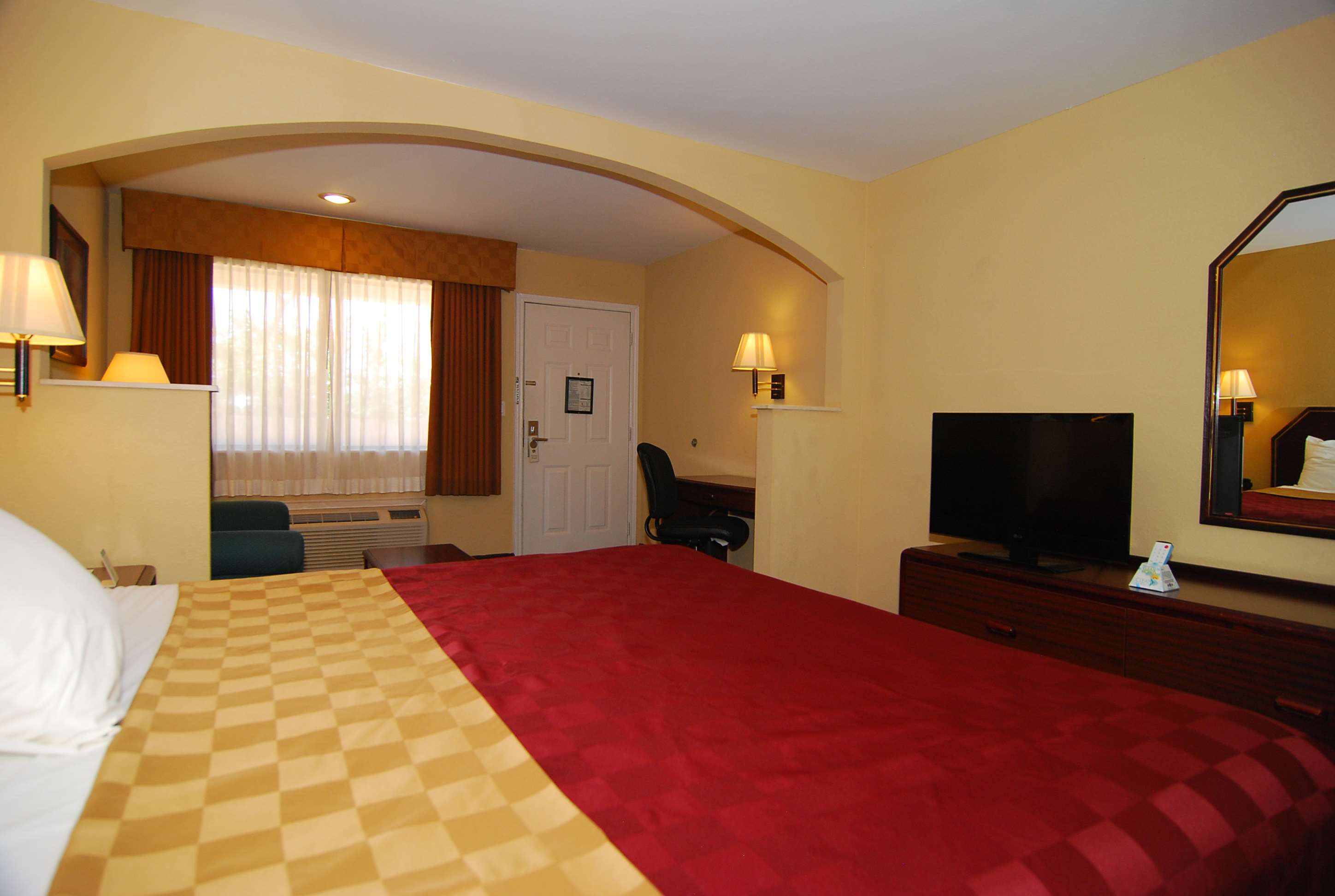 Standard Room with King Bed