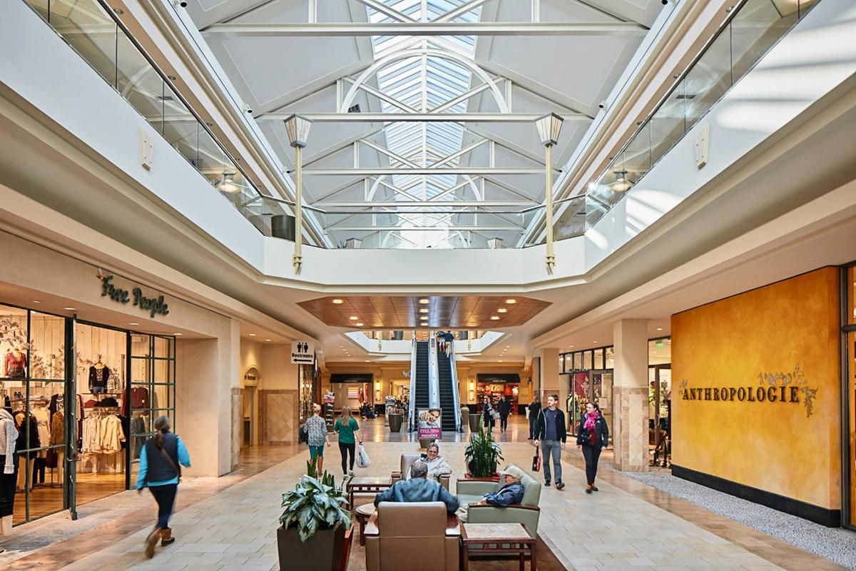 Fashion Outlets of Niagara Falls shopping information – detailed hours of operations including black Friday and holiday hours. Look at great selection of outlets and factory stores located in Fashion Outlets of Niagara Falls.