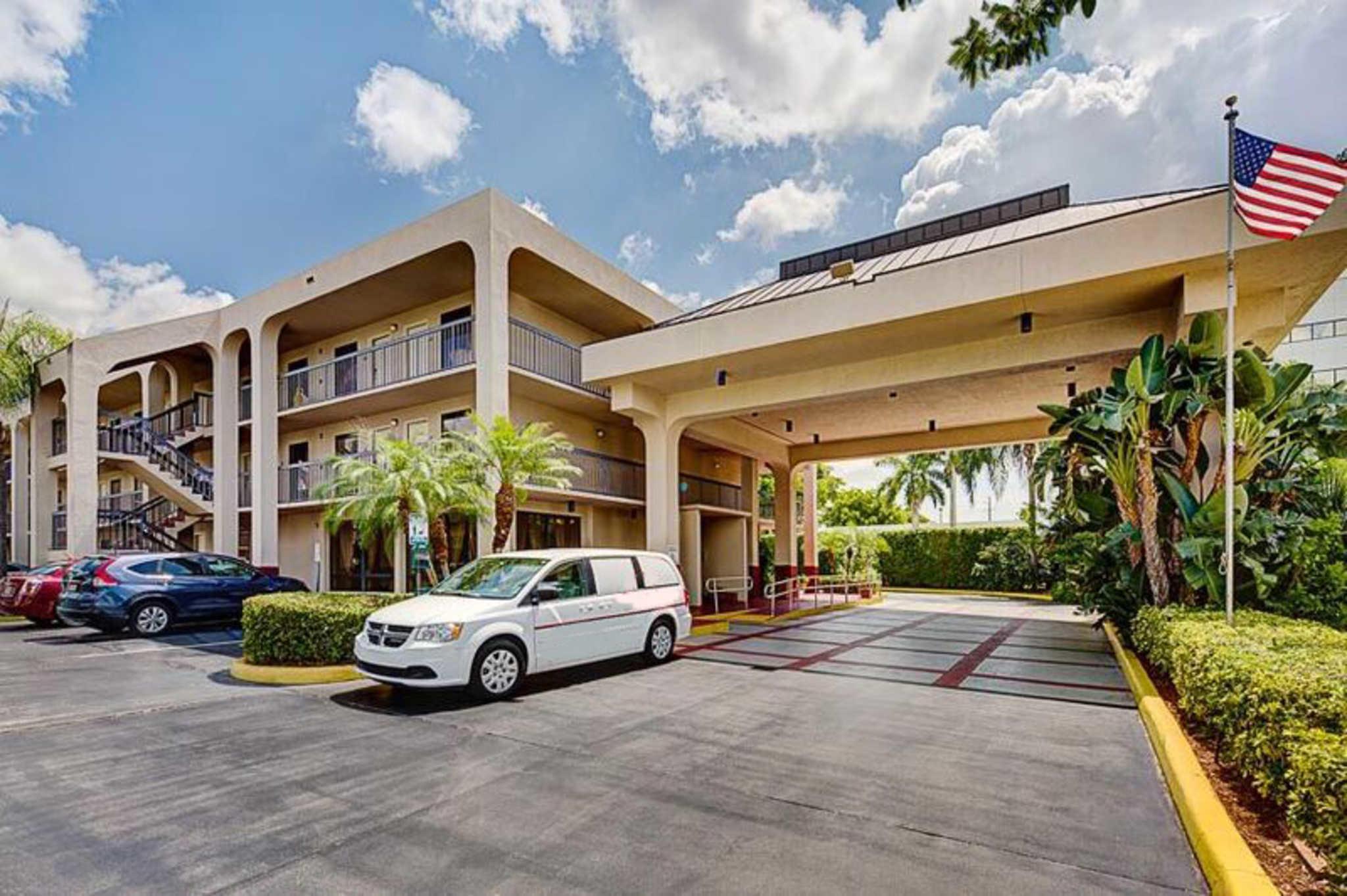 Hotels Near Palm Beach Kennel Club