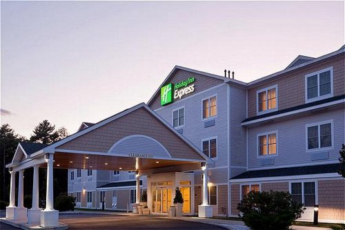 Holiday Inn Express & Suites Freeport - Brunswick Area - ad image