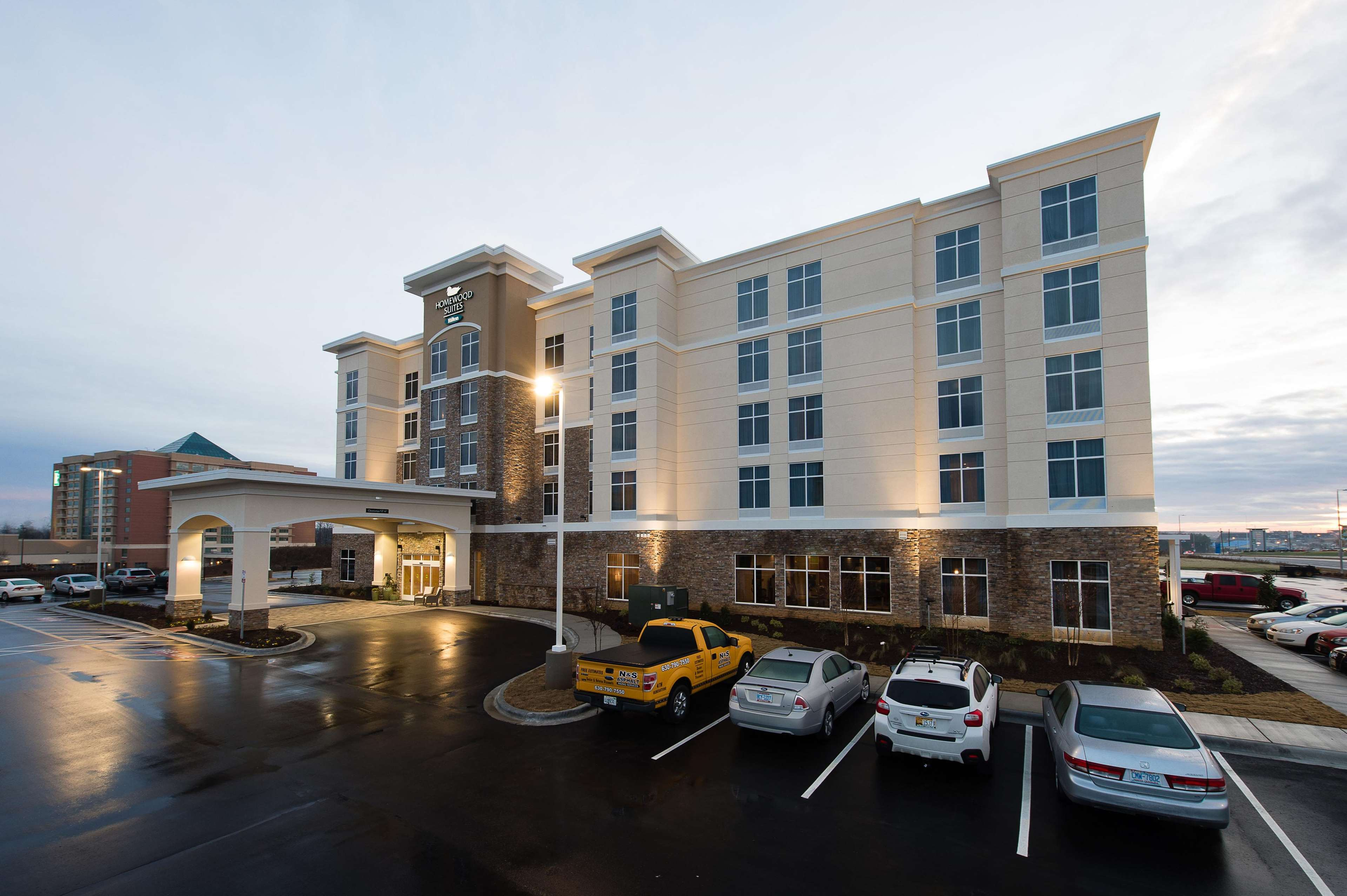 Homewood suites by hilton concord charlotte in concord nc for Motels close to charlotte motor speedway