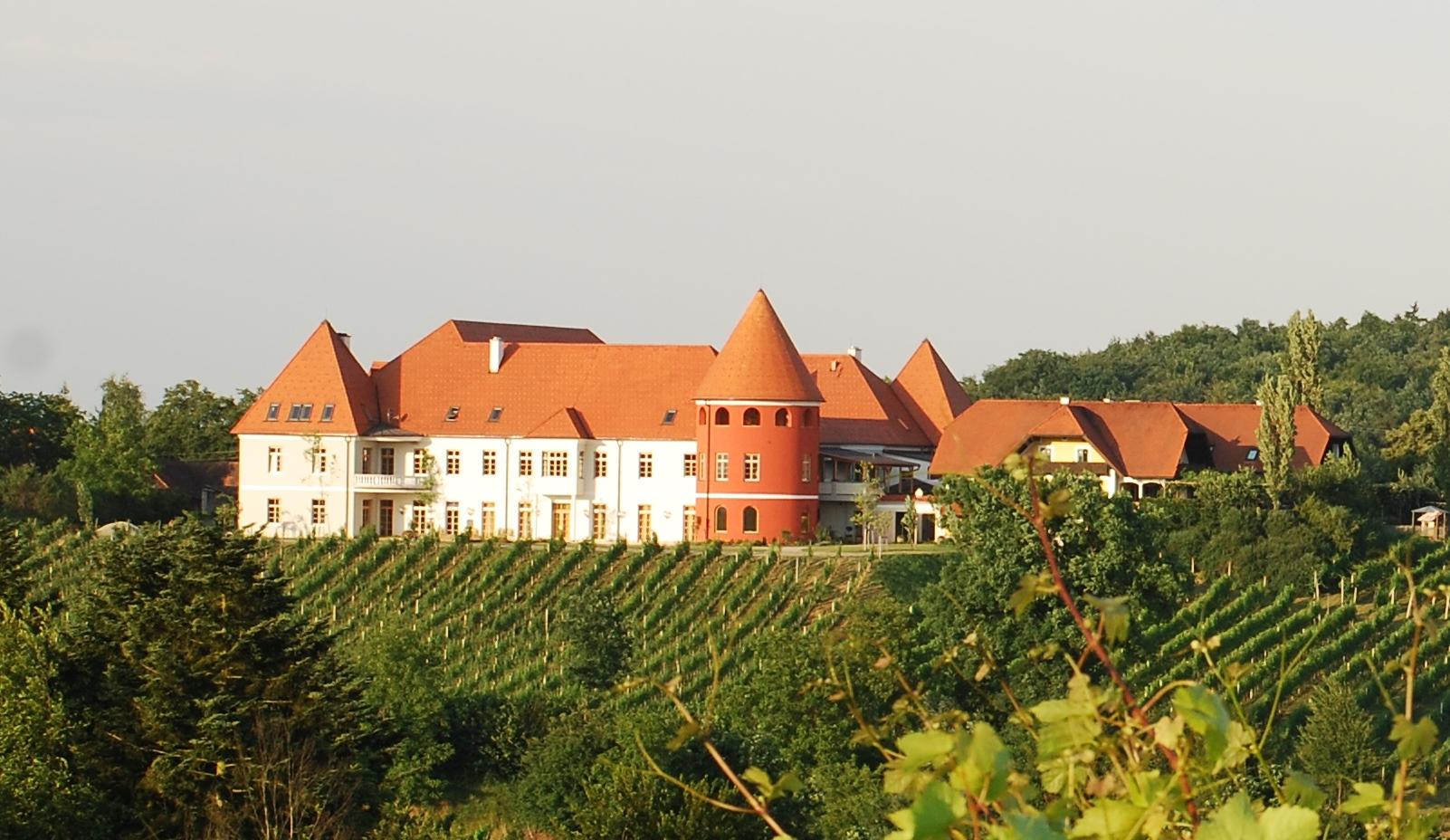 Weinschloss Familie Thaller