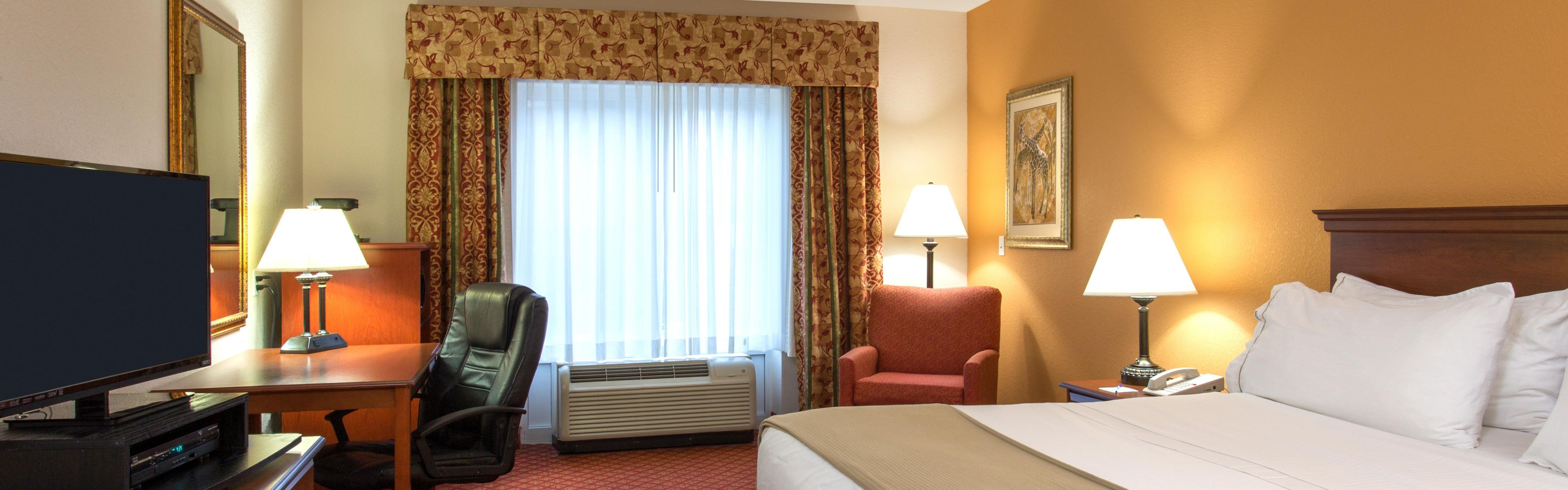 Holiday Inn Express & Suites Silver Springs-Ocala