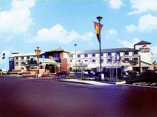 Holiday Inn Express & Suites Elk Grove Ctrl - Sacramento S image 0