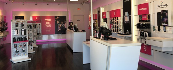 Interior photo of T-Mobile Store at 19th St & Telephone Rd, Moore, OK