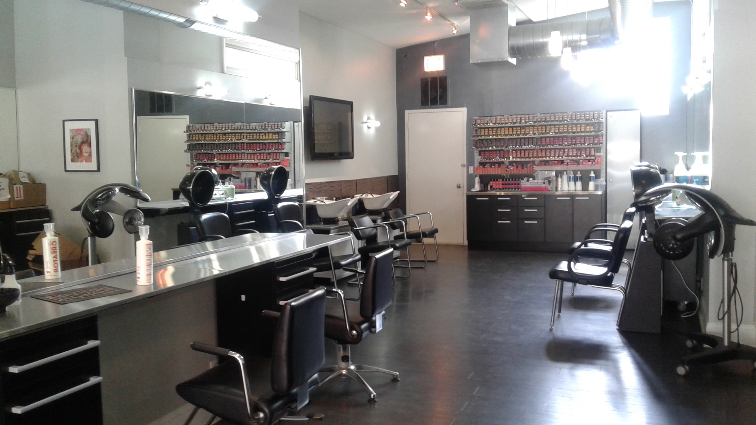 Robert jeffrey hair studio andersonville in chicago il for Dion hair salon