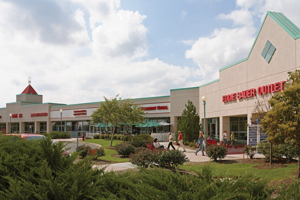 Travelers who viewed Waterloo Premium Outlets also viewed