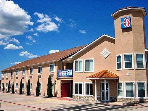 Motel 6 Hutchins Tx image 6