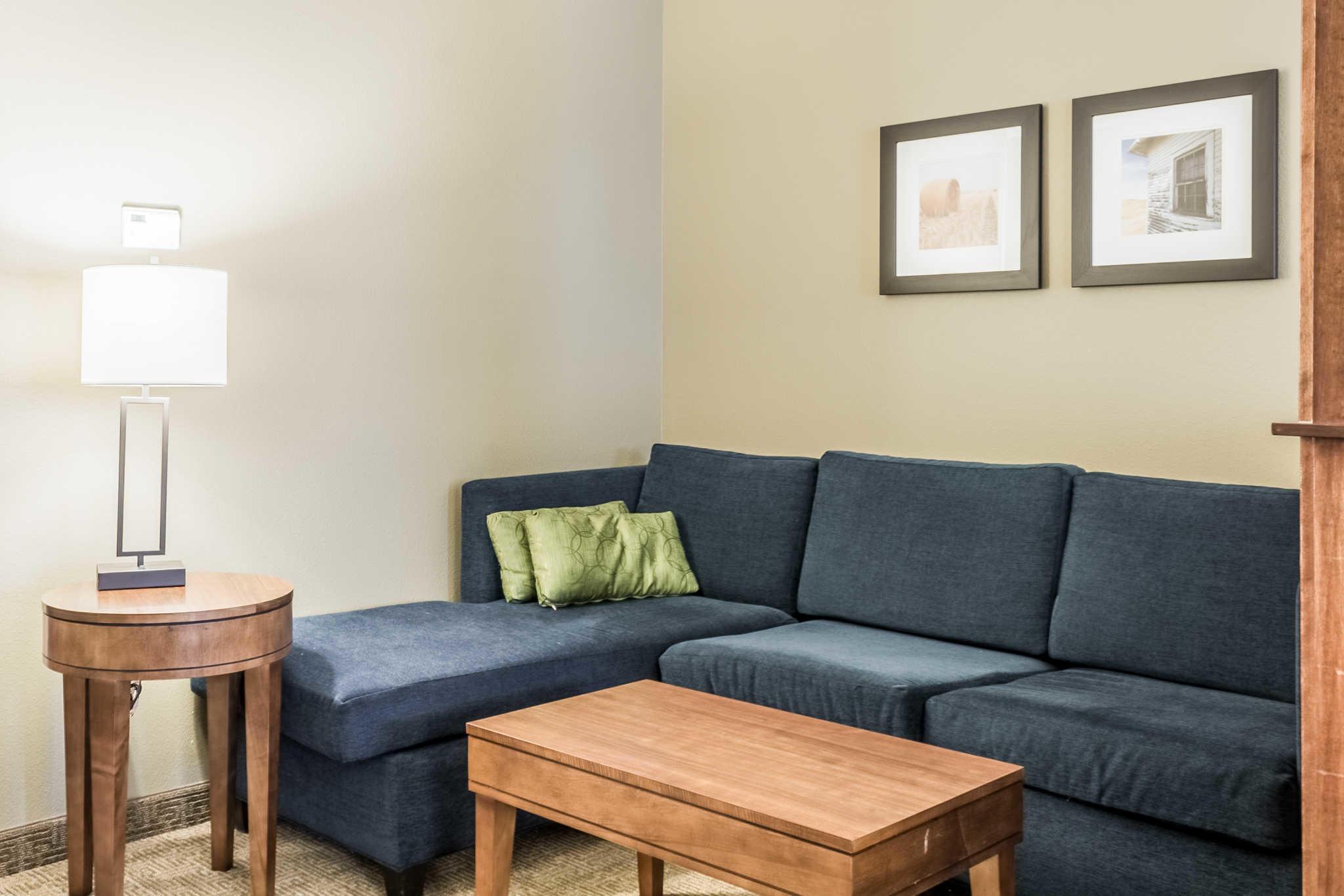 Comfort Inn Amp Suites Sioux Falls South Dakota Sd