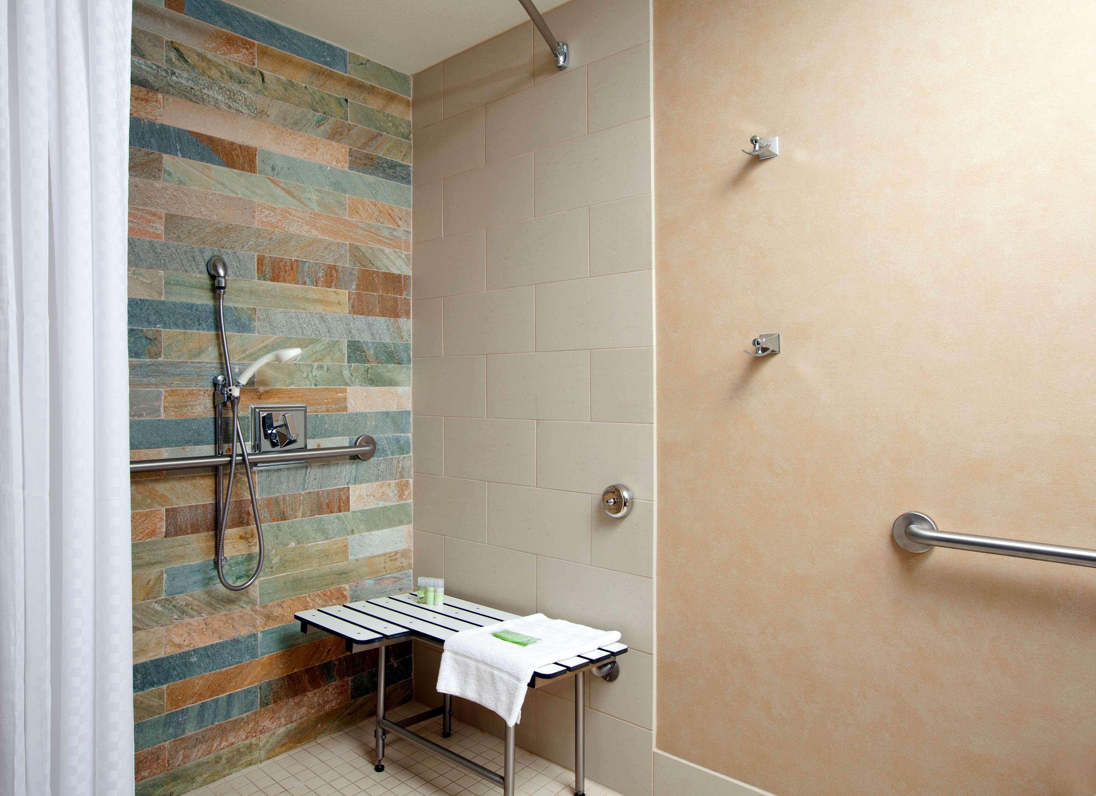 ADA One Room Suite - Bathroom