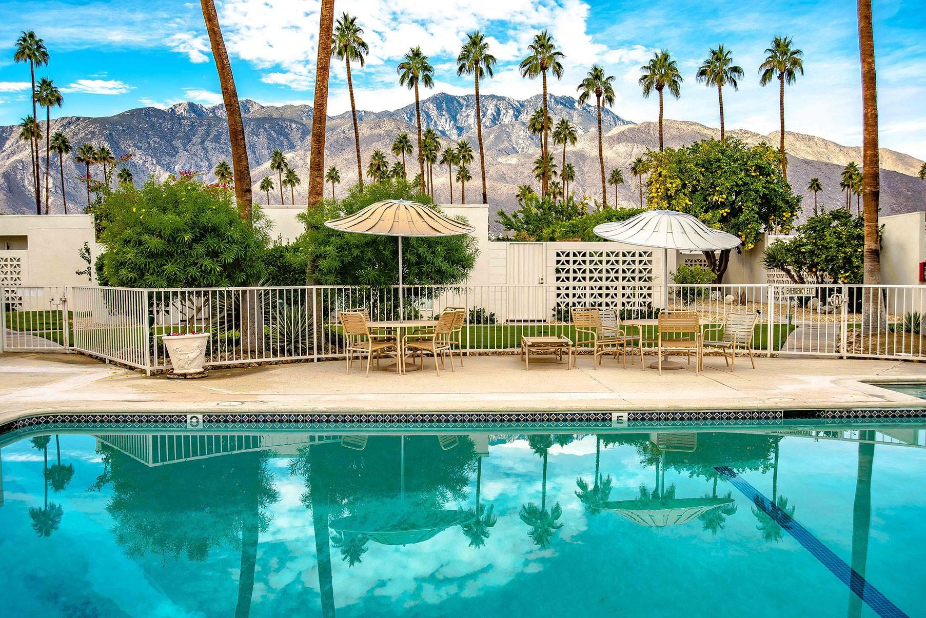 Palm springs homes condos in palm springs ca 92262 for Palm springs homes rentals