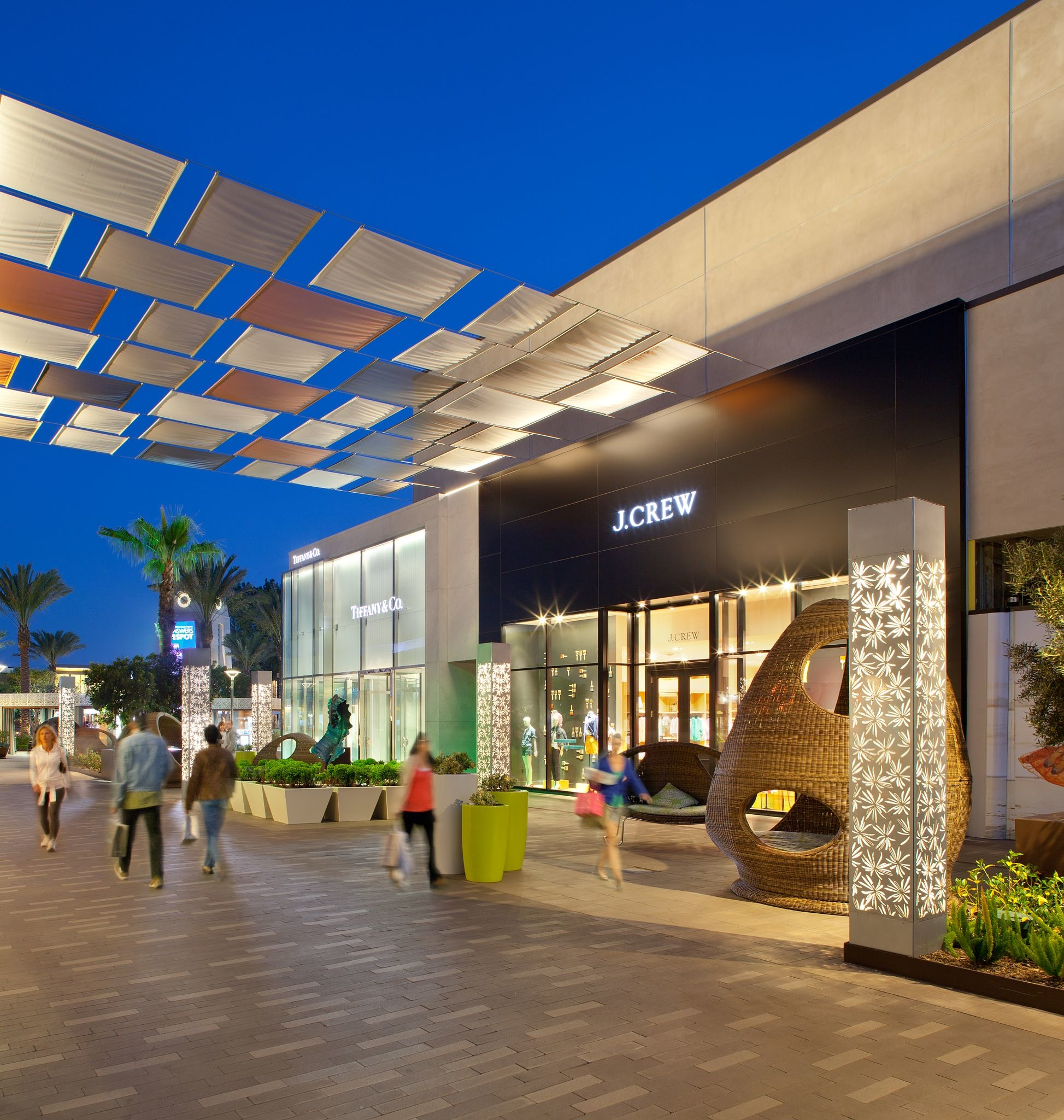 View mall directory info for Westfield UTC in San Diego, CA – including stores, hours of operation, phone numbers, and more.